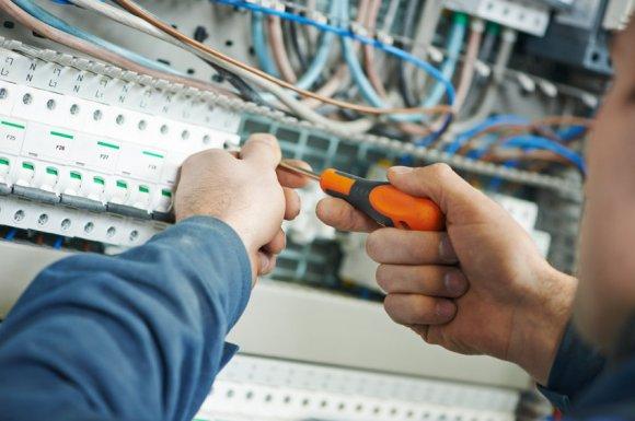 Mise aux normes électrique de maison ou appartement à Saint-Pierre 974