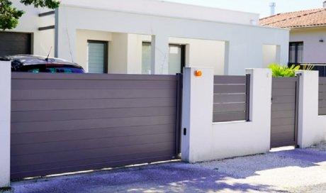 Fabrication et pose de portail en aluminium motorisé sur mesure Le Tampon